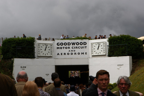 Massive Crowds enter and exit 2014 Goodwood Revival