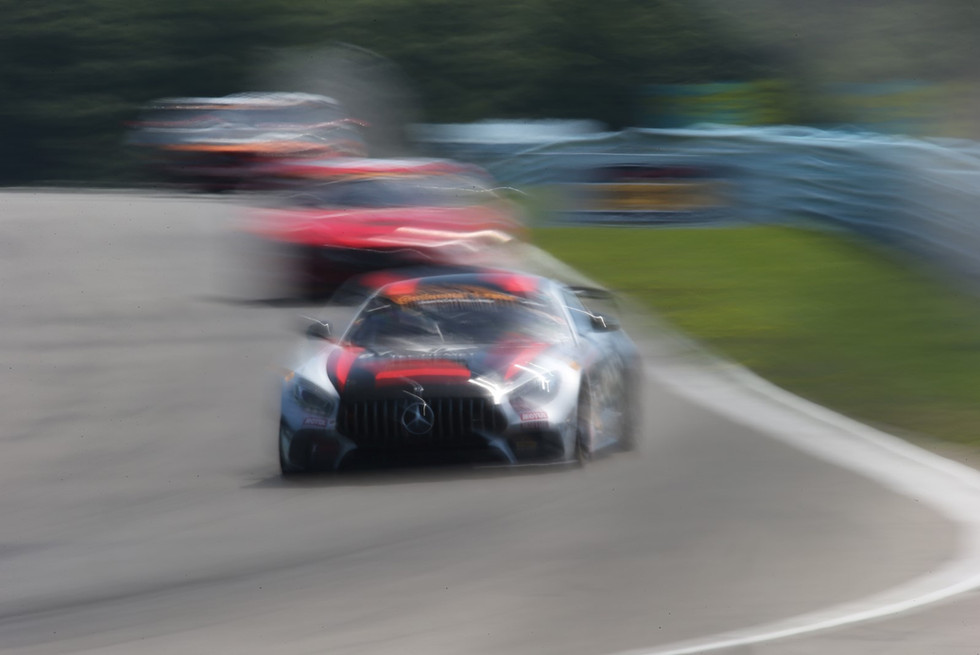 Blurred AMG-Mercedes GT4