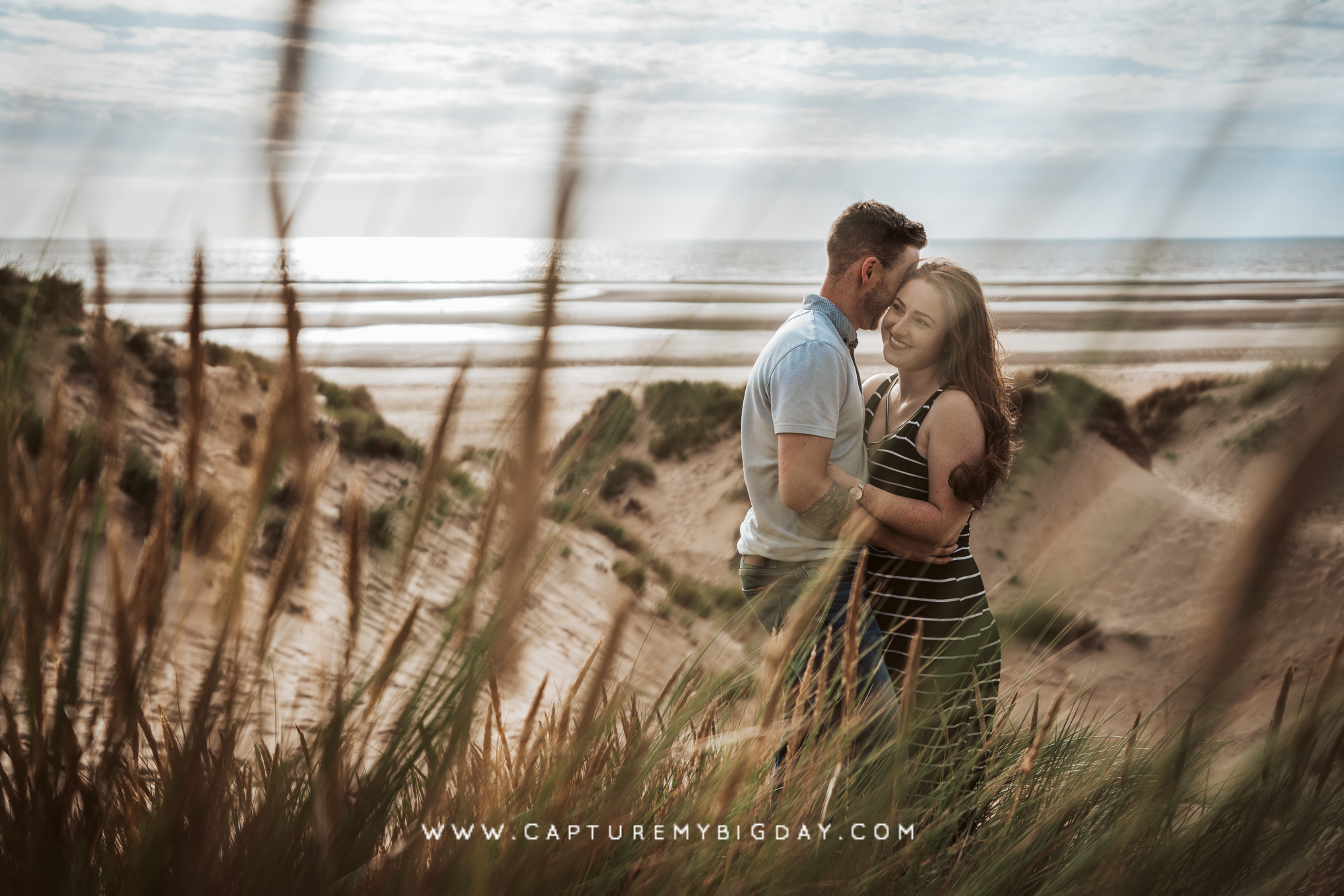 engagement photograph on the beach