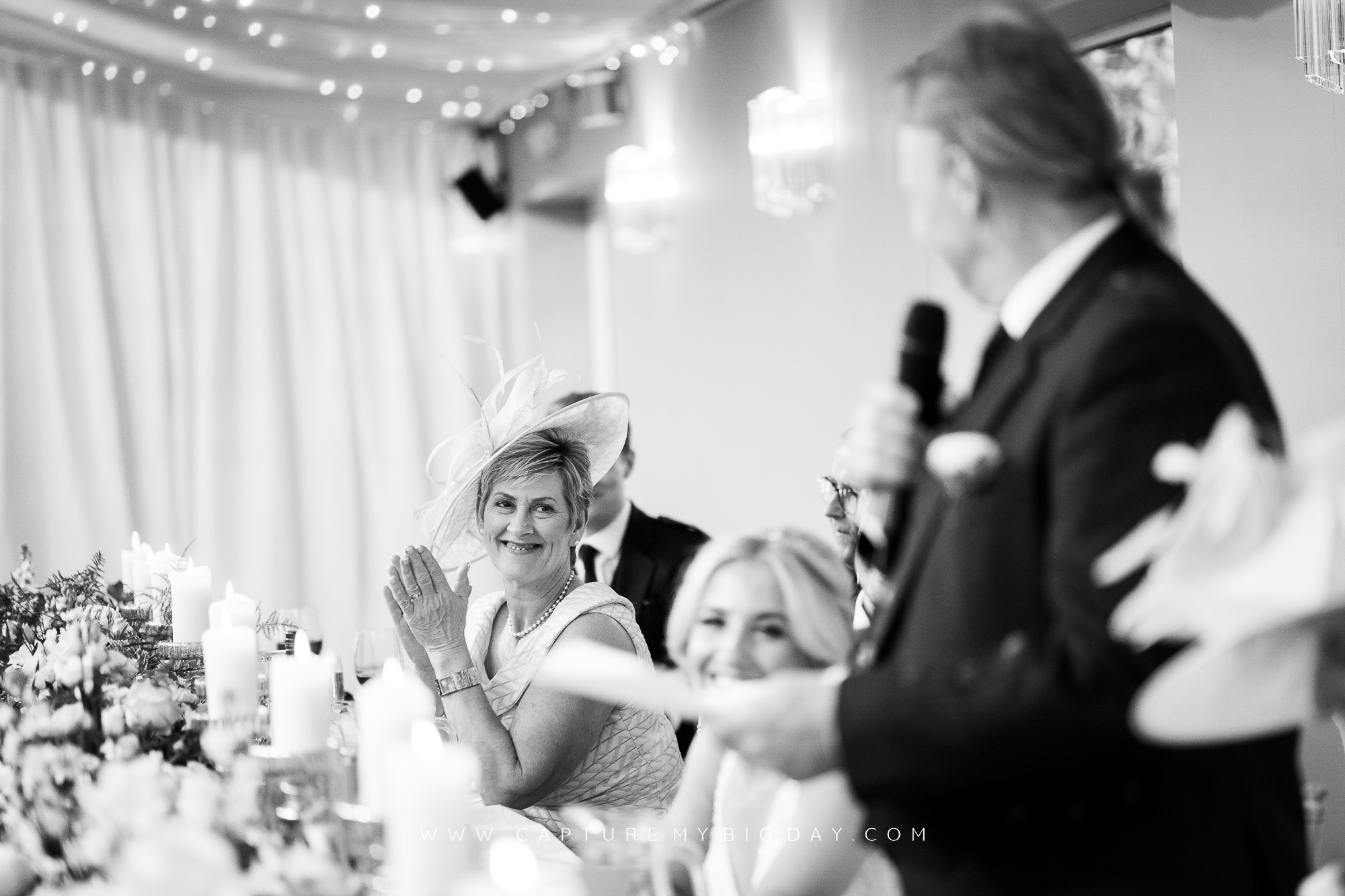 top table clapping