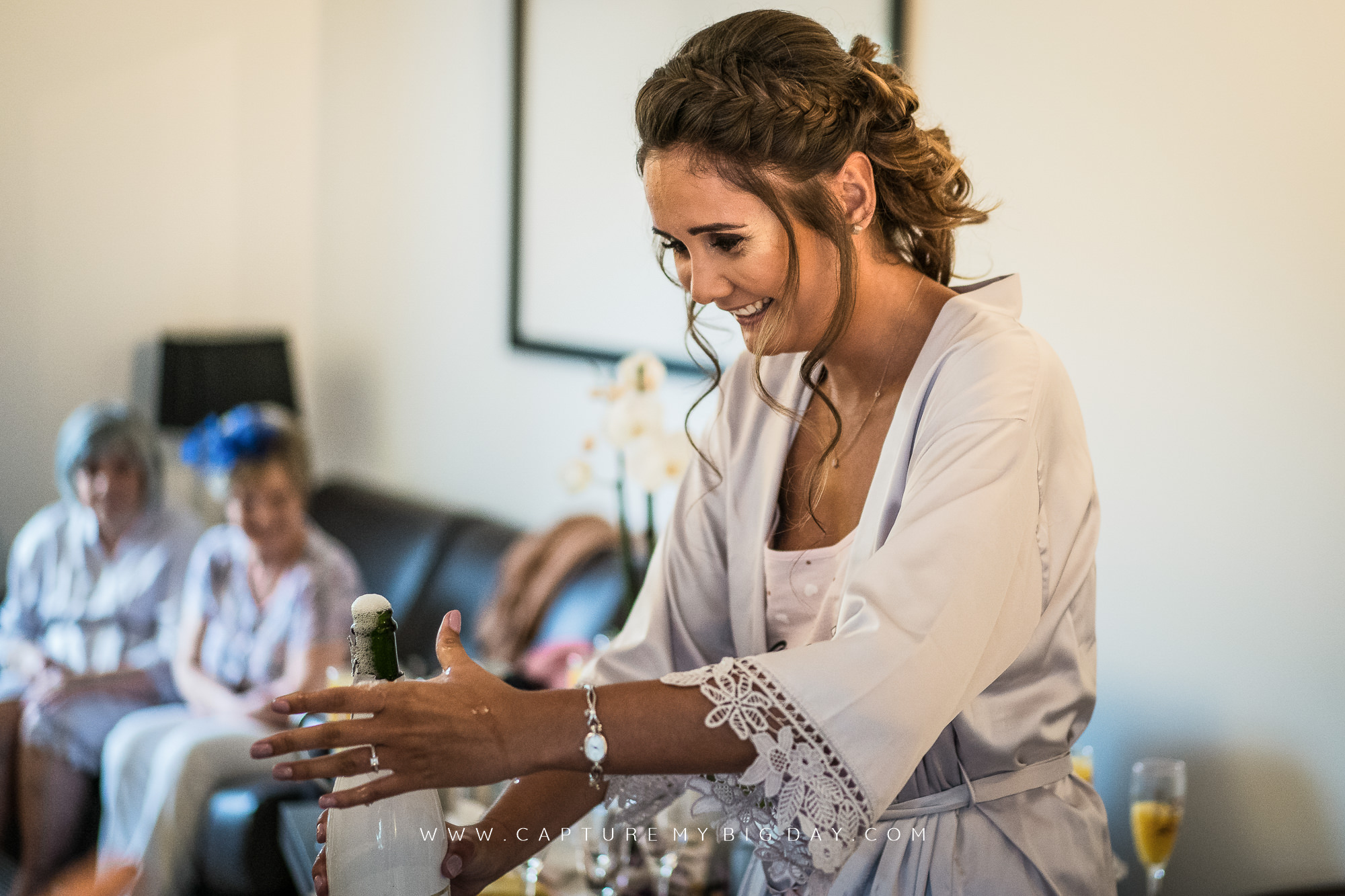 bridesmaid opening fizz