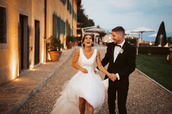 bride laughing in Italy