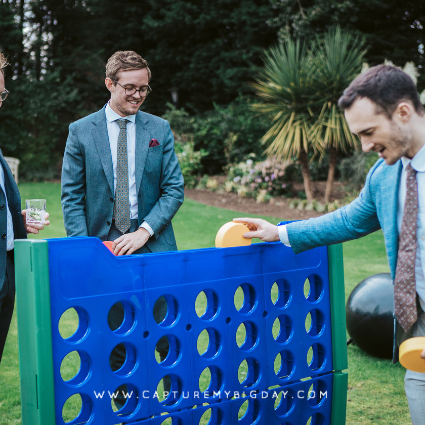 wedding guests play a game
