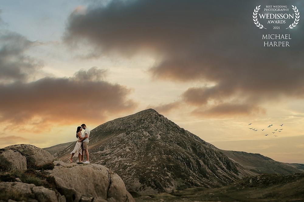 Engaged couple photograph on Snowdon