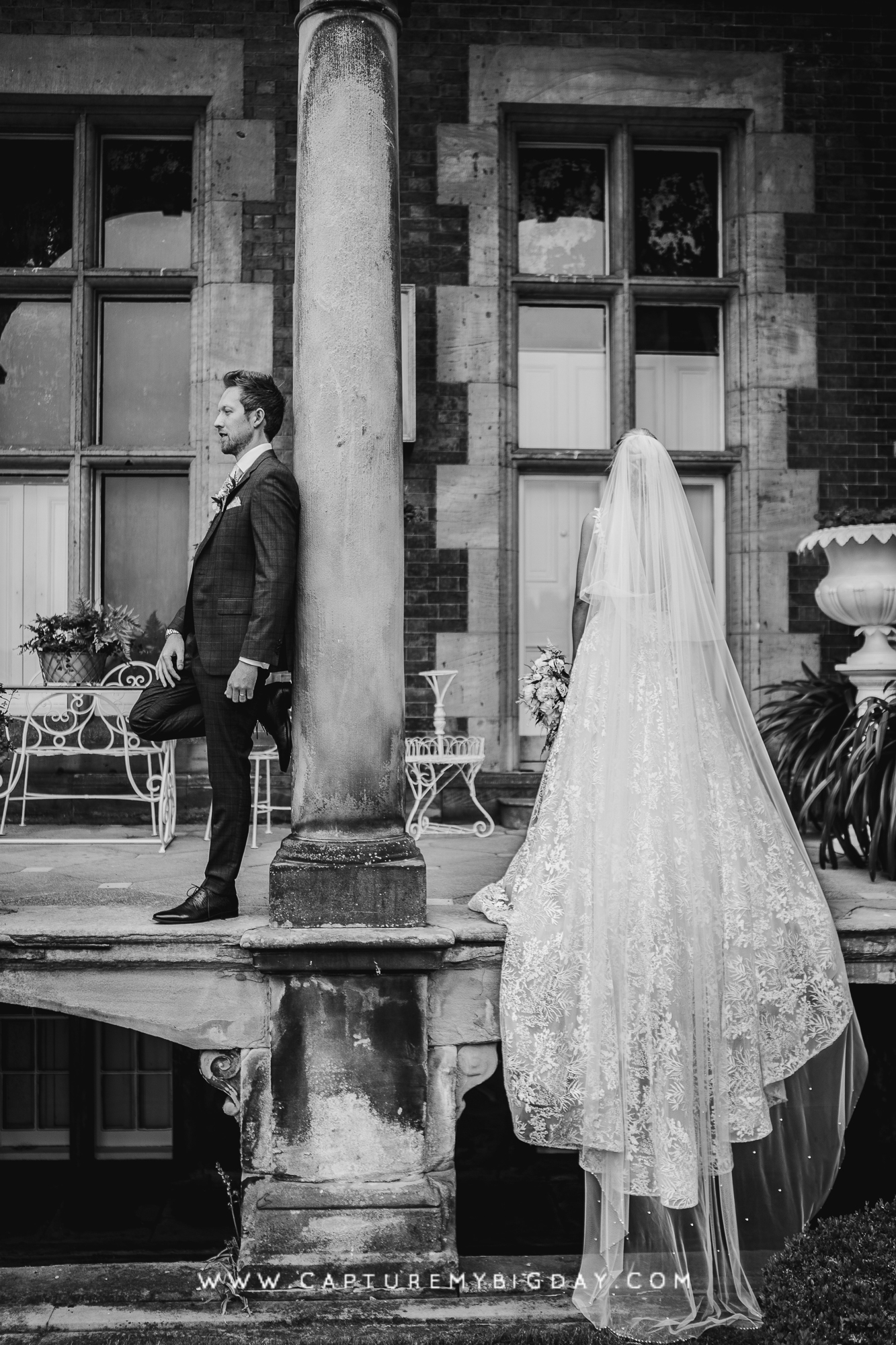 bride and groom at capesthorne hall