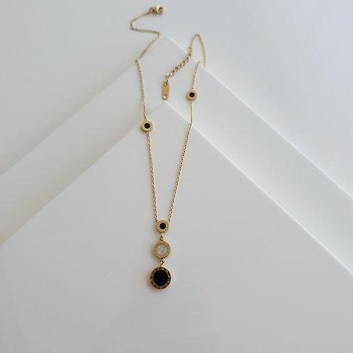BV Black-White Triple Necklace