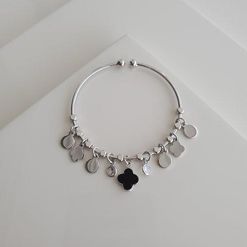 Dangle Clover Bracelet