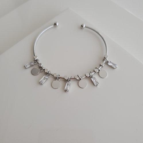 Dangling Baguette Bracelet