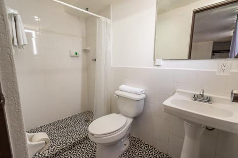Baño habitación doble matrimonial