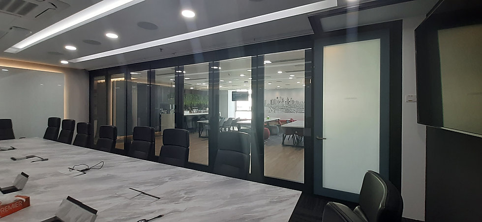 hufcor, glass wall, moveable glass wall, operable wall, Malaysia, display glass, foldable glass