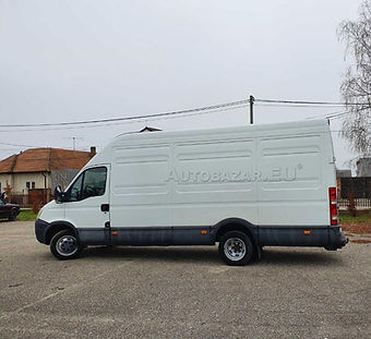 iveco-daily-35c15_edited.jpg