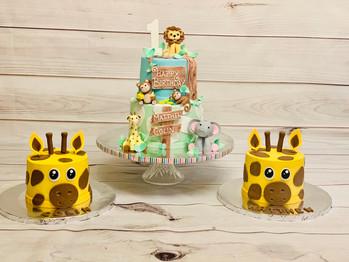Jungle Safari & Giraffe Smash Cake