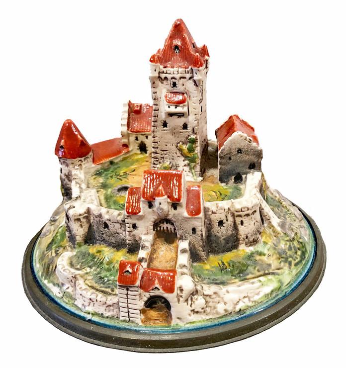 Mettach Castle Stein Figural Inlay Lid 1