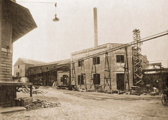 Engine Room, Bavarian Brewing Co., Covington, KY, 1907.