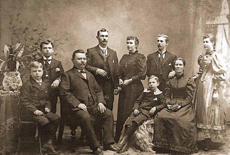 1893cSchott Clan Tint.jpg