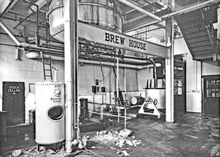 1st Floor Brew 1947-11-1 5x7 BW.jpg