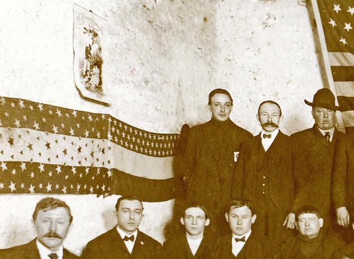 Rahtskellar and 1899 Calendar.jpg