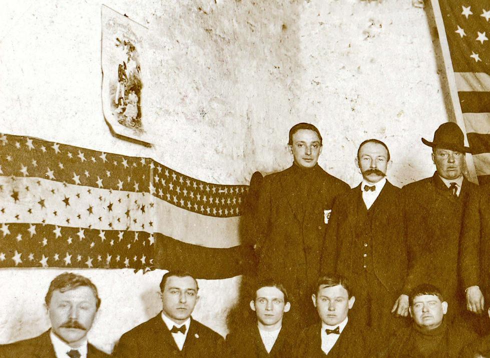 Bavarian Brewing Co. Rahtskellar Showing a 1899 Calendar, Covington, KY