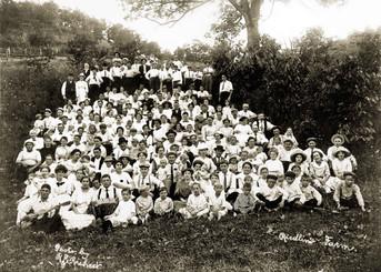 Bavarian Brewing Co. Picnic at the Rieldin Farm, 1910.
