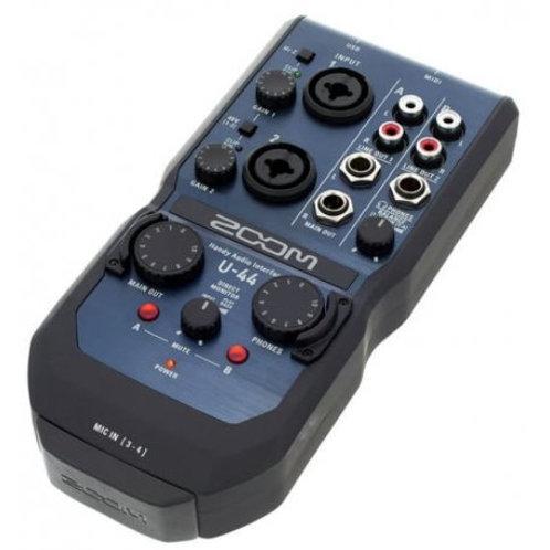 Zoom U-44 Scheda Audio
