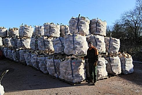 Seasoned Hardwood Firewood Logs