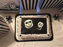Undertales inspired cake, with Sans and Papyrus