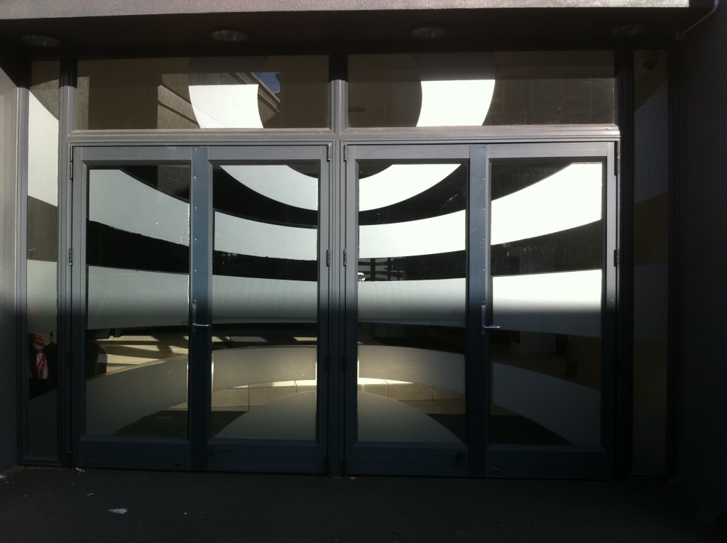 Window graphics - partial obscuring