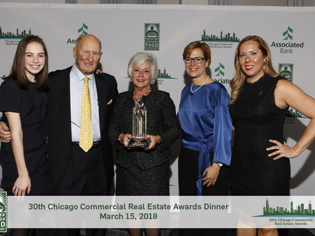 """Goldie B. Wolfe Miller receives inaugural """"Legend"""" Award at Greater Chicago Food Depository Dinner"""
