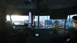 乗務員室の眺望も可能な限り確保