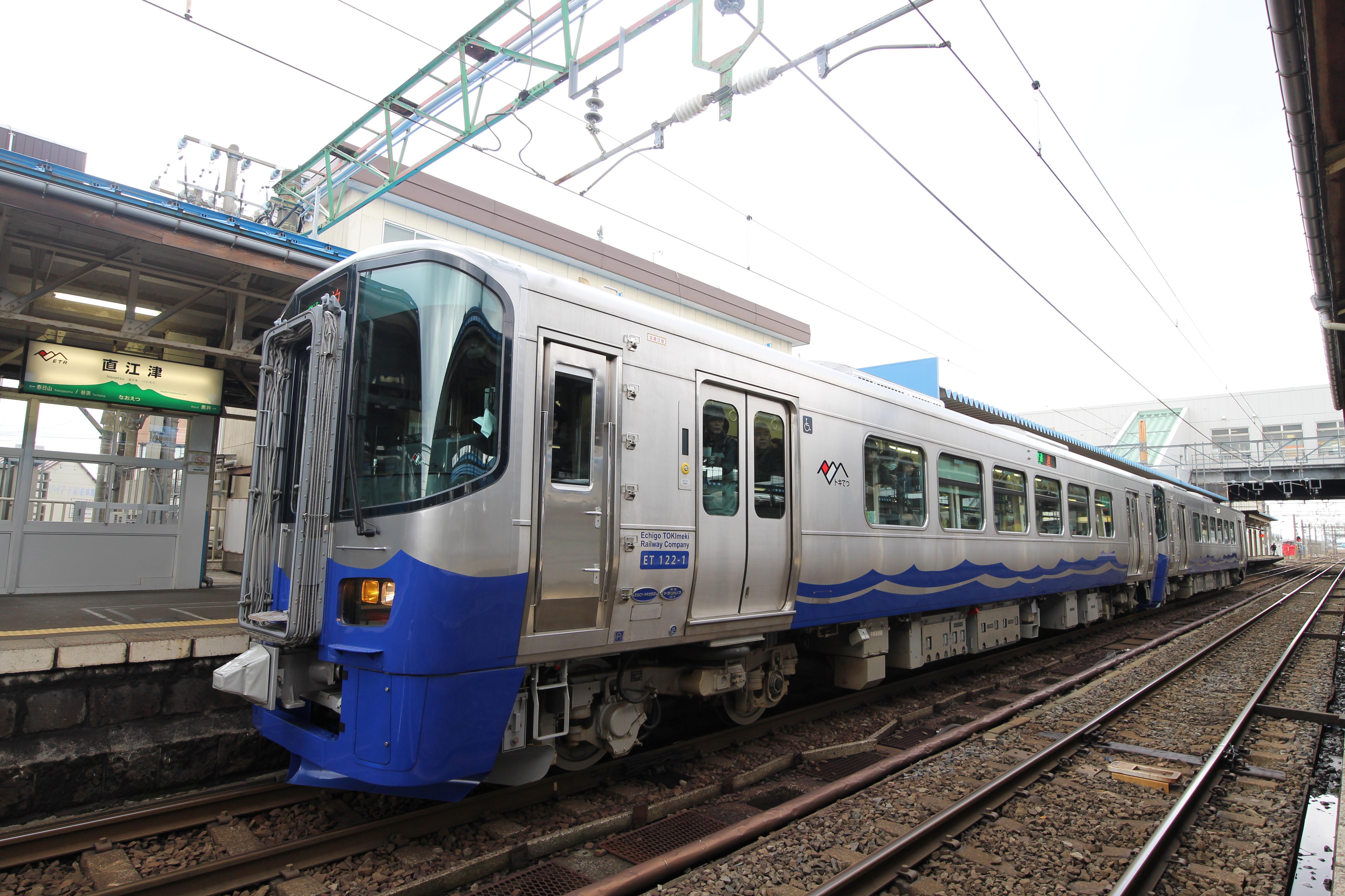 えちごトキめき鉄道 普通列車