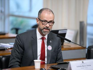 CPI ouve presidente da Anvisa e pode convocar ministros e governadores