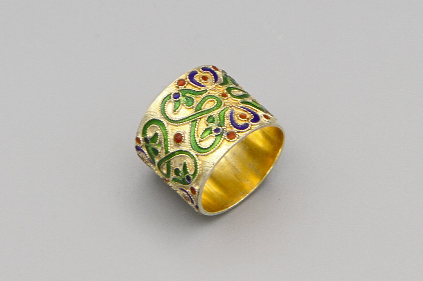 Gold And Green Enamel Chinese Band Ring Size 4