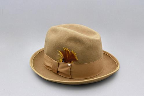 4367a56e22b1e0 Vintage 1960s Dorfman Pacific Tan Fedora Hat Size Small, Light Camel ...