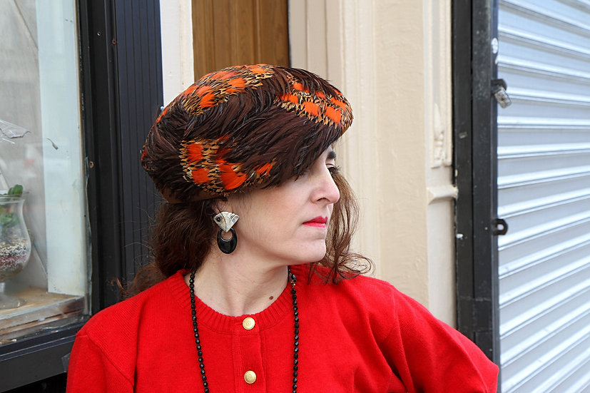 Formal Elegant Hat with Feathers