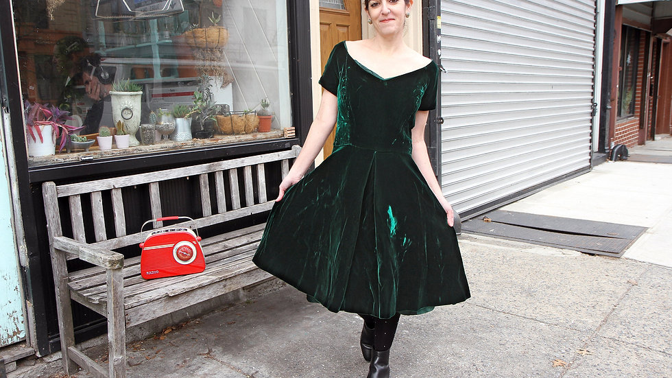 Vintage Emerald Green Velvet Dress Size M