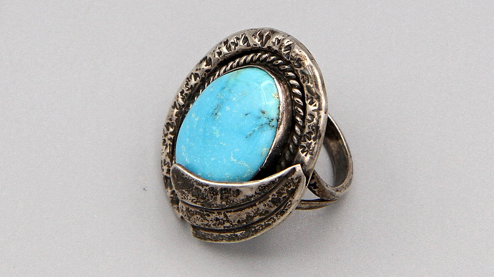 Vintage Navajo Jewelry Piece Turquoise And Sterling Ring Size 7