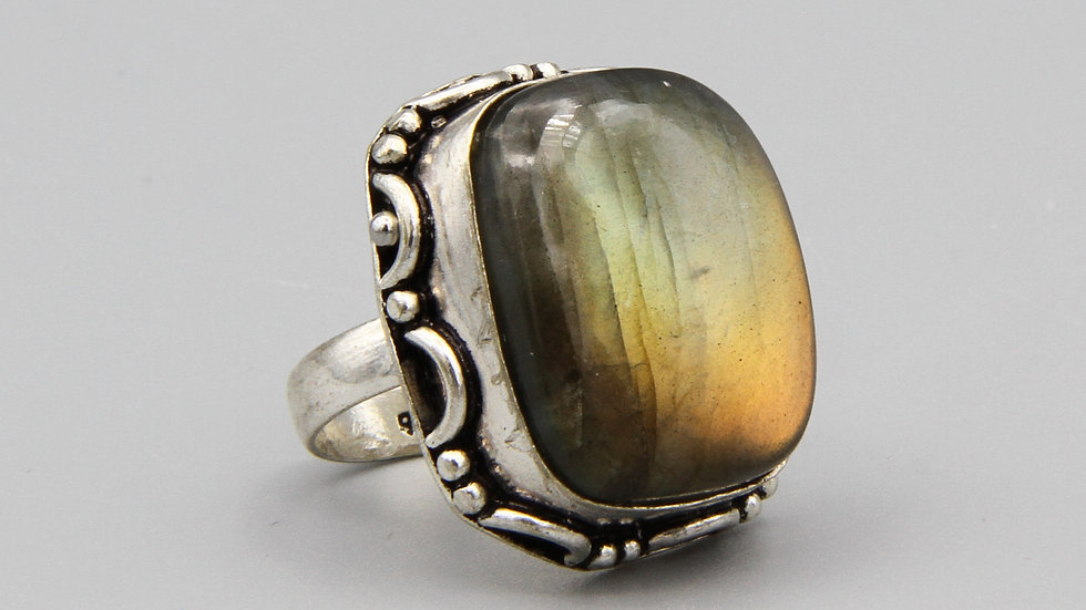Bold Chunky Ring Made In India Sterling Silver And Labradorite Gemstone