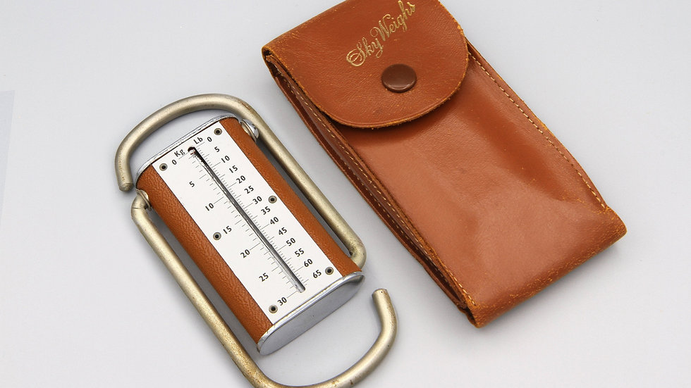 Sky Weighs Luggage Scale