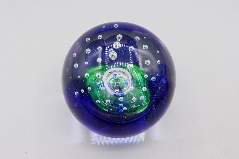 Dynasty Gallery Heirloom Collectibles Paperweight