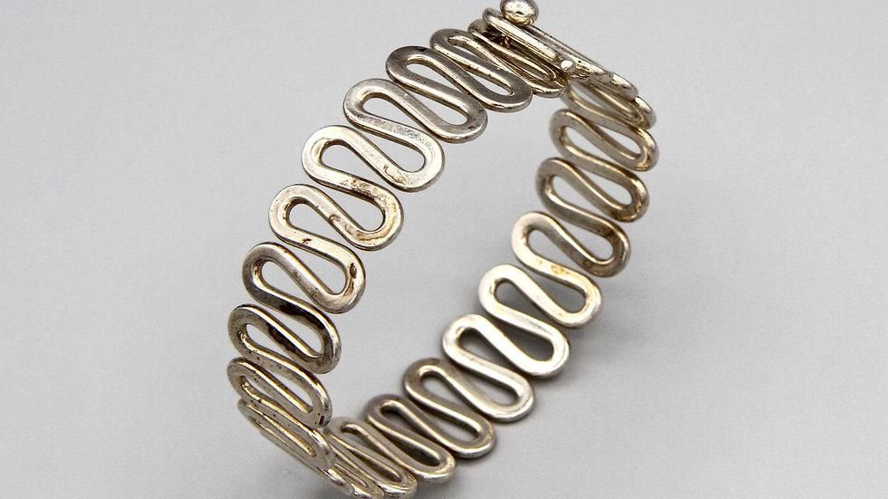 Wavy Curvy Bangle Bracelet