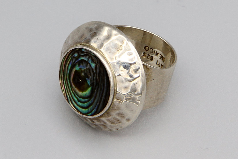 Modernist Hammered Sterling Disc And Abalone Shell Ring Size 6 ATI Mexico