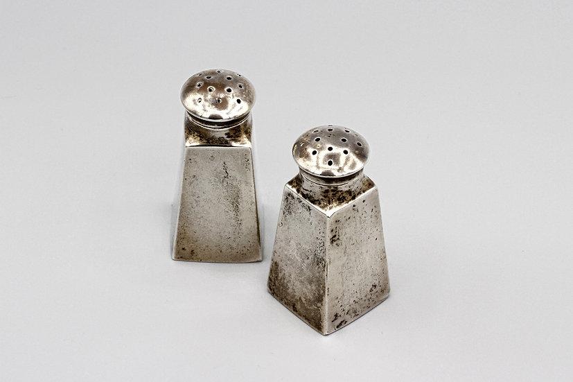 Small Salt Pepper Shakers