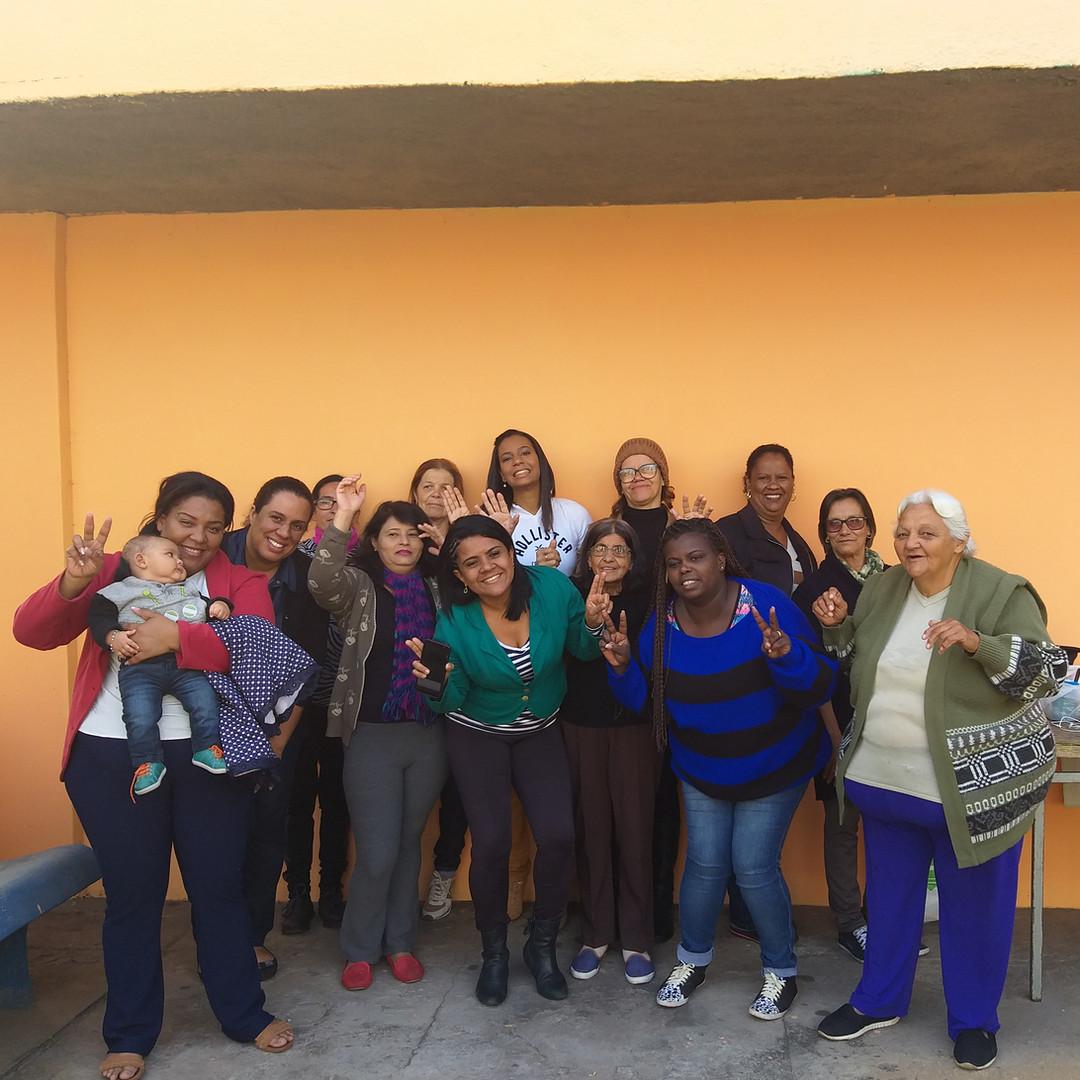 Grupo_de_famílias.jpg