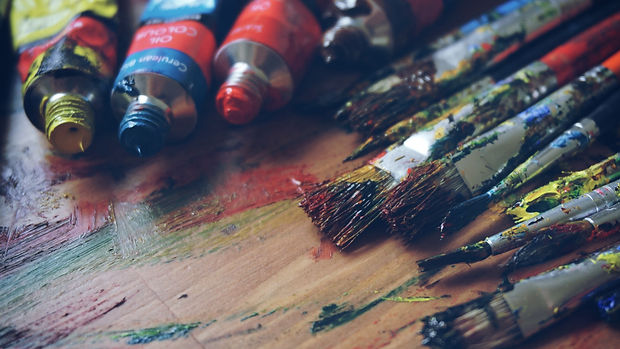 art_supplies_paints_brushes_109981_2560x