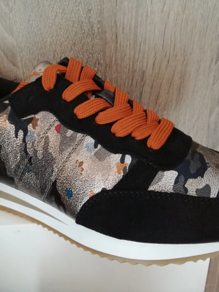 Sneaker army black