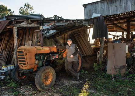 Tracteur ayant appartenu au père de Robert. Lorsqu'il l'a racheté, il avait 1050 heures au compteur.