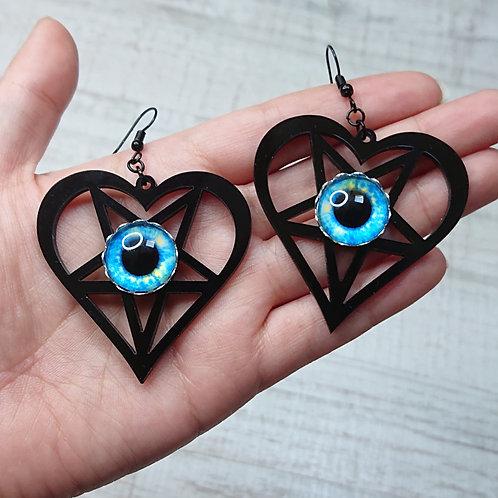 Boucles d'oreilles Coeur pentacle noirs yeux bleus