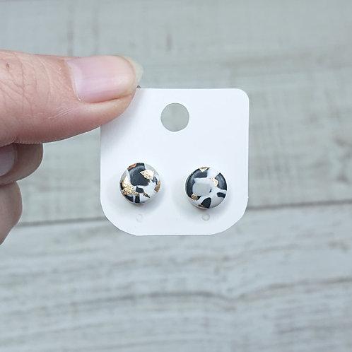 Boucles d'oreilles puces marbre noir et blanc #1