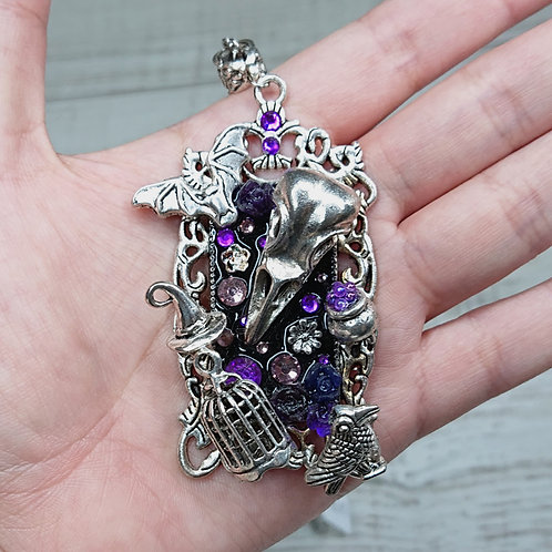 Collier Atelier de Sorcière violet