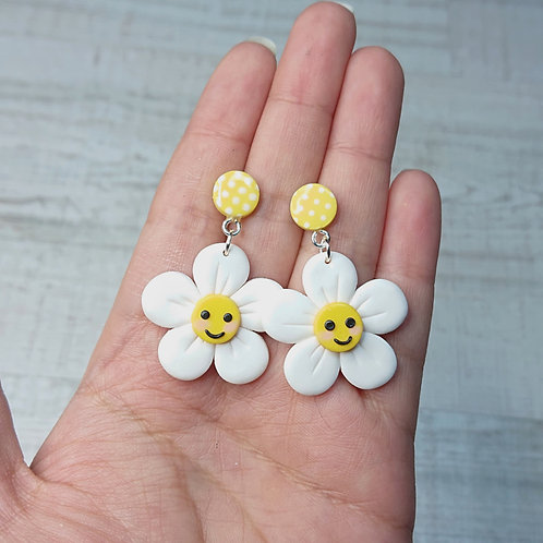 "Boucles d'oreilles ""Lovely Daisy"" marguerites souriantes"